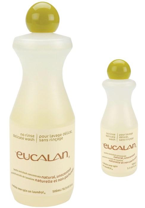 Présentation de deux flacons de lessive Eucalan sans parfum, de contenance 100ml et 500ml