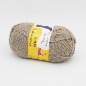 Une pelote de Regia 4-fädig Tweed coloris Seigle