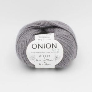 Une pelote d'Alpaca Merino Nettles d'Onion coloris Gris