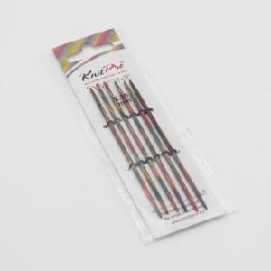 Jeu d'aiguilles double-pointe Knit Pro en bois coloré de la gamme Symfonie, dans leur emballage
