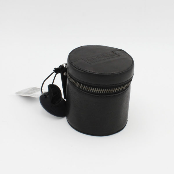 Présentation d'une petite bourse en cuir Rock de la marque Muud coloris Noir