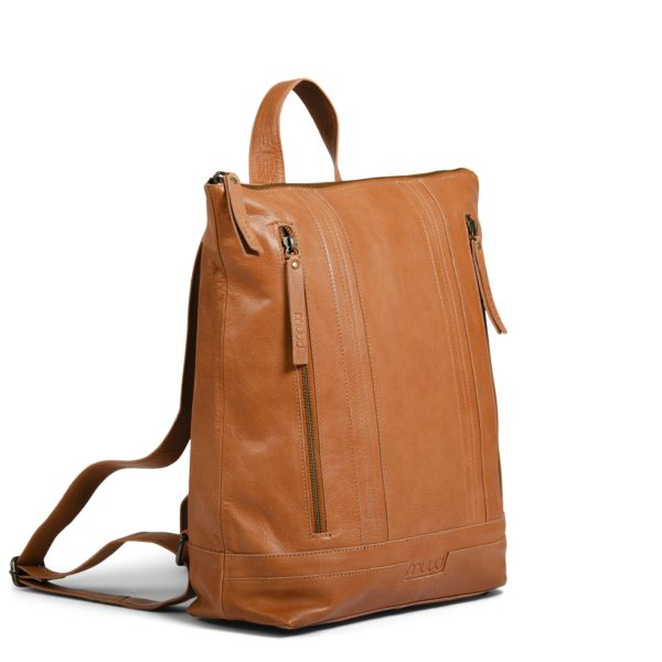 Présentation du sac à dos Nykobing de la marque Muud, en cuir, coloris Whisky